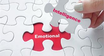 7 HABITS OF HIGHLY EMOTIONALLY INTELLIGENT PEOPLE